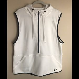 Under Armour Loose Cold Gear Hooded White Vest